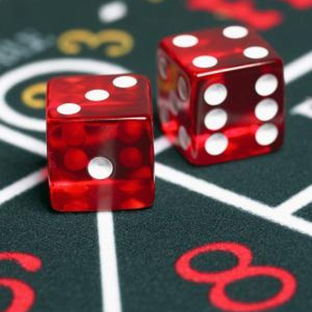 casino royale online watch dice and roll