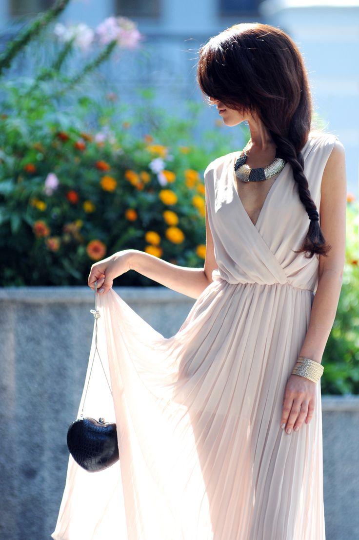Tina Sizonova: Posts, Powder Dresses