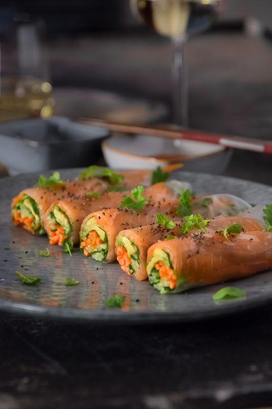 Lohitäytteiset riisipaperikääryleet / Rice paper rolls with salmon & veggies