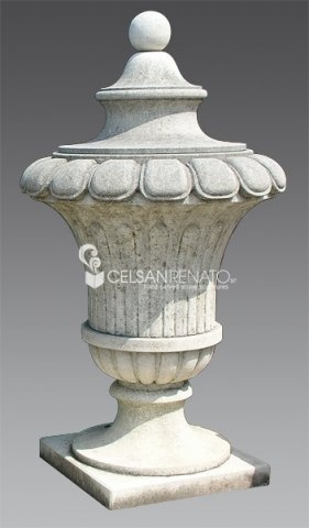 Execution of #ornamental #vases, #urns and pots, decorated with festoons, garlands, leaves and grapes or plain, Mediceo #style.