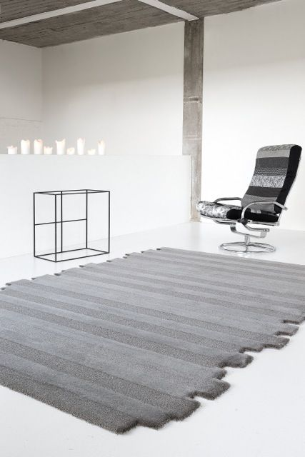 'Maestro Timber - Gunmetal' by Limited Edition. Maestro is made out of wool and silk. | www.le.be | Collection 2015 #bespoke #rugs #carpets #madeinbelgium #grey #soft #stripes #tufted