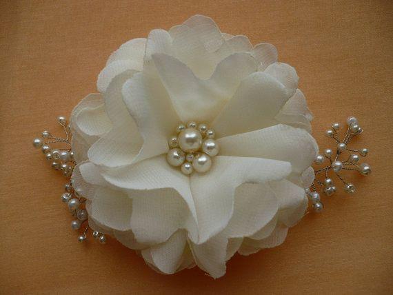 Best 25 Winter Wedding Hairstyles Ideas On Pinterest: Best 25+ Flower Hair Pieces Ideas On Pinterest
