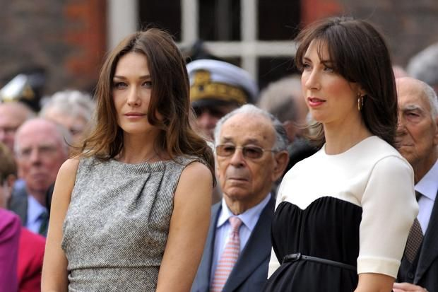 French First lady Carla Bruni-Sarkozy (L) and British Prime Minister's wife Samantha Cameron