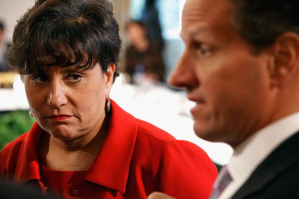 Penny Pritzker Eyed for Commerce Secretary.  Fox News thinks she won't take the job.  And Fox talked about the HUGE HUGE HUGE amounts of money she has and donated to the Dems.  NO NO NO NO NO - NEXT!!!!!!!