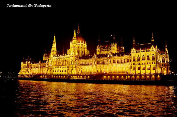 Parlamentul din Budapesta noaptea