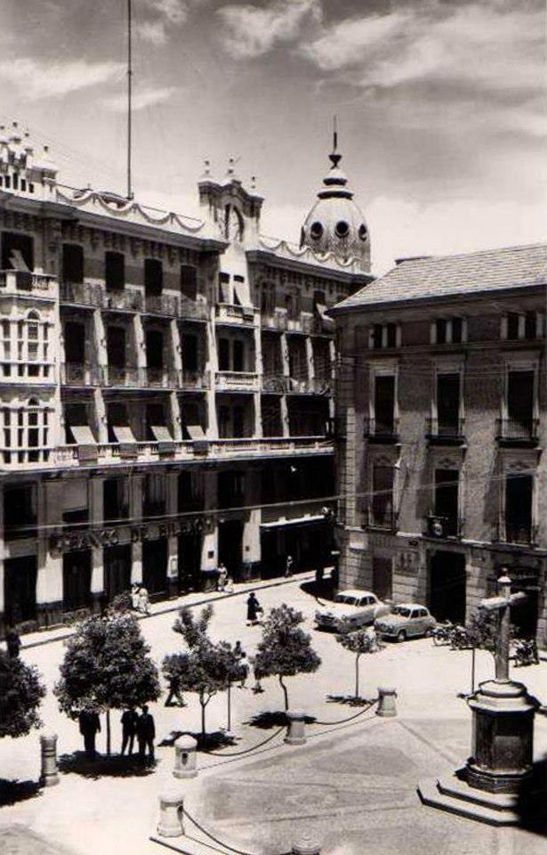 Murcia, Plaza Cruz