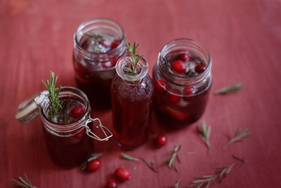 Cranberry, Pomegranate, & Green Tea Holiday Spritzer | Free People Blog #freepeople