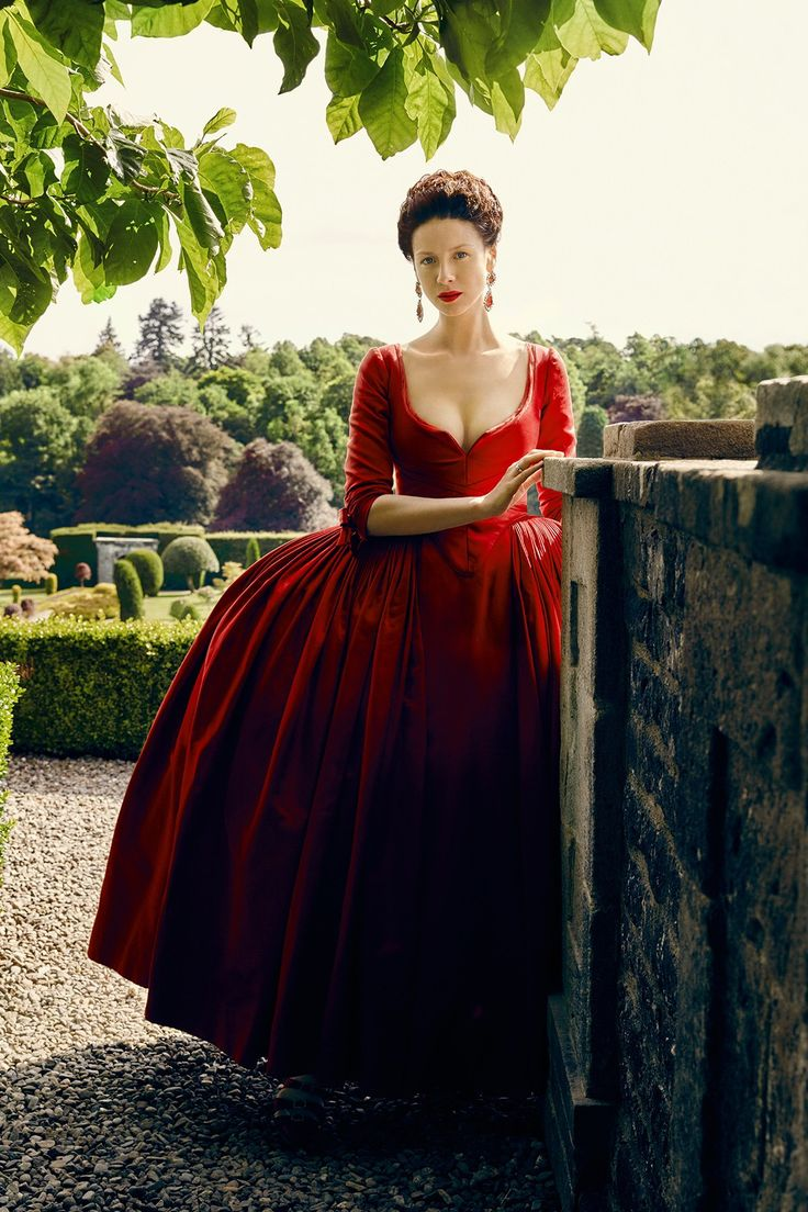 The Enchanted Garden | Caitriona Balfe as Claire Fraser in Outlander (TV...