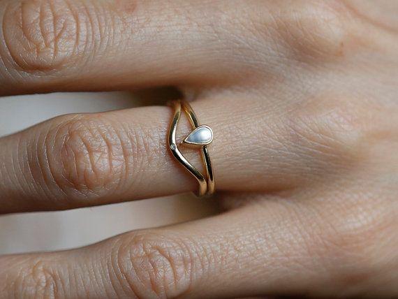 Wedding Ring Set Pearl Wedding Ring Stacking Diamond by capucinne