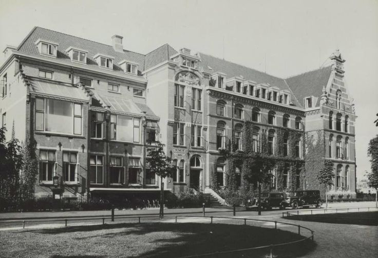Praediniussingel 1937 met het Diaconessenhuis - Foto's SERC