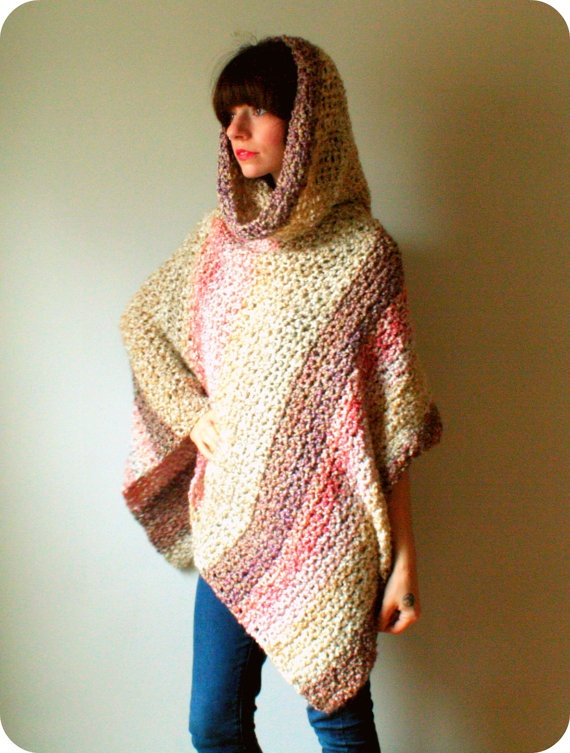 Poncho. This looks sooo comfy. Inspiration only.