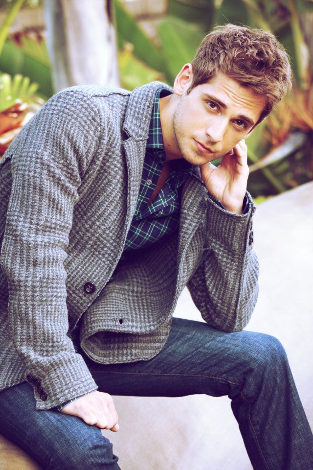 Jean-Luc Bilodeau. Someone find this man and bring him to me ;) --I love him so much ..