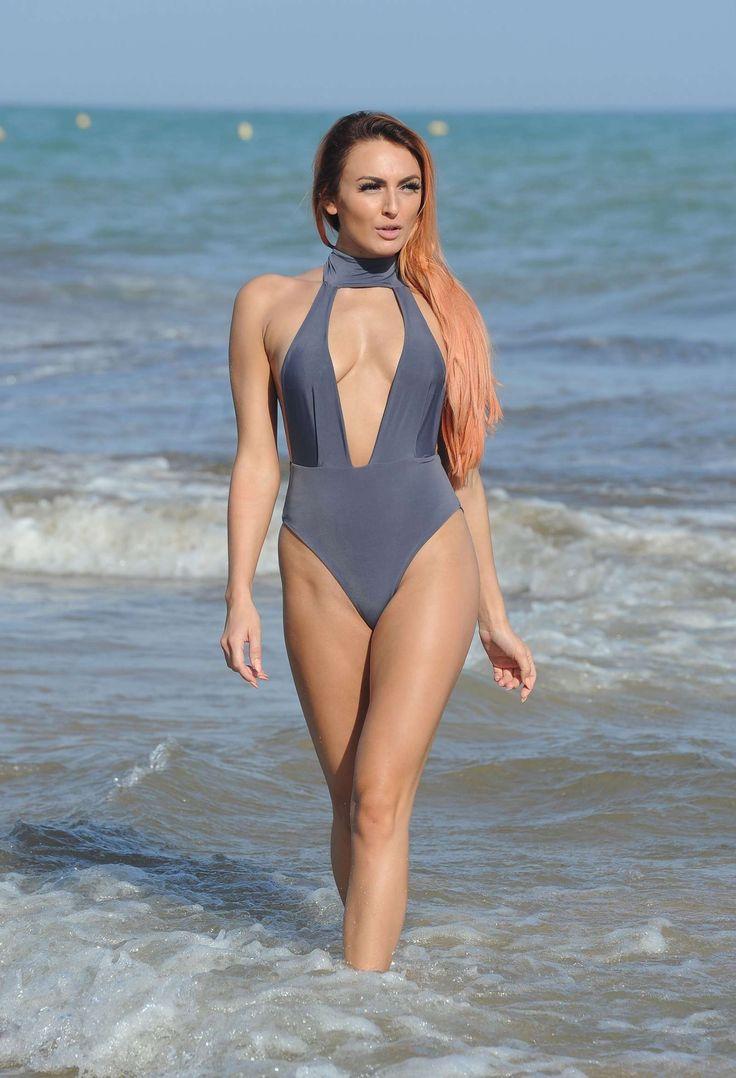 Shy Katrina On A Spanish Nude Beach