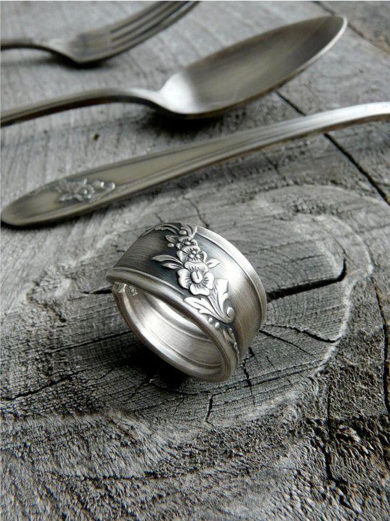 Antike Löffel Ring Silber Muster: Queen Bess 2 von Revisions
