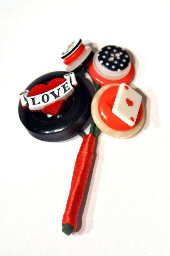 Boutonnière de rockabilly / bouton par CharlieLaurieDesigns sur Etsy