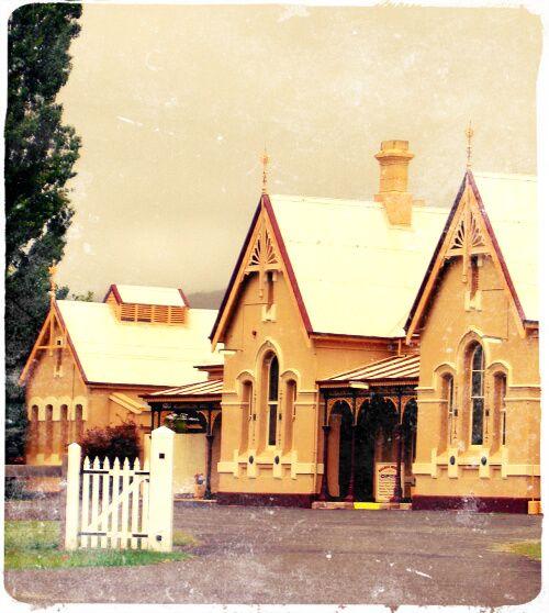 Tenterfield Railway Building