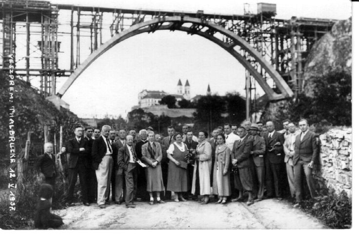 The viaduct under construction in the 1930's