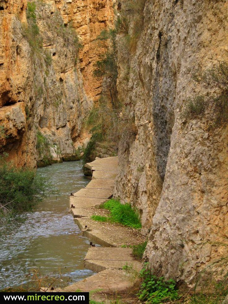 Ruta por el Cañón de los Almadenes, Rio Mundo, Las Minas, Hellin, Albacete #hellin #albacete #turismo #tourism #viajes #travels #castillalamancha #senderismo #hiking #mirecreo