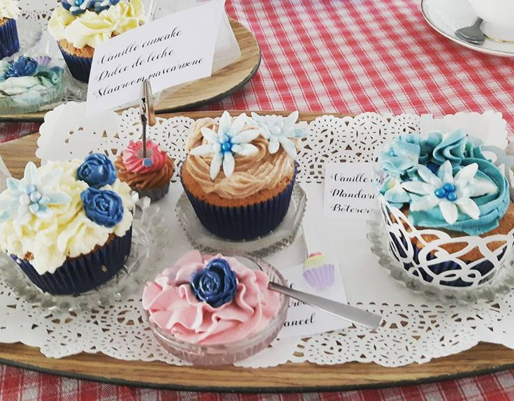 Cupcakes tasting for a wedding