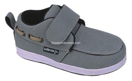 Sepatu anak CMR 320 adalah sepatu anak yang bagus model trendy...