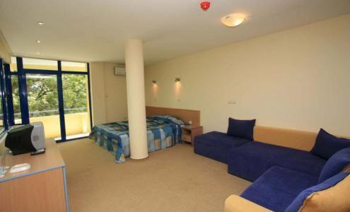 Cazare Hotel Blue Sky 3* Nisipurile de Aur Bulgaria, preţuri camere, localizare hartă | Agenţia de turism EnjoyTravel Chişinău, Oferte de vacanță, Bilete de avion