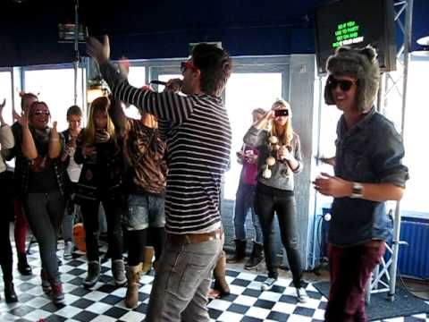 House Karaoke @ Trackershut Valtifest Bungalup