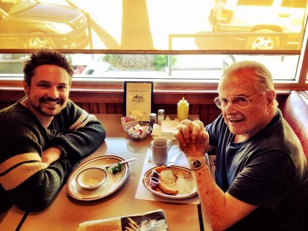 "Will Friedle sharing a meal with his fictional mentor, William Daniels. - 19 Photos Of The ""Boy Meets World"" Cast Hanging Out In Real Life"