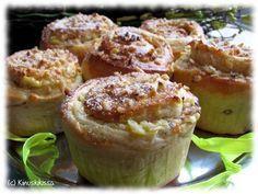 Dallaspullat - Dallas buns - buns like cinnamon buns but filled with vanilla quark filling (cream cheese filling)