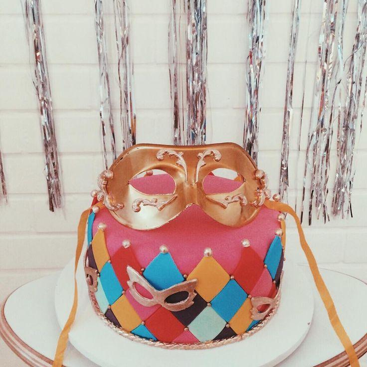 """942 curtidas, 14 comentários - Luisa Meirelles (@luisameirelles) no Instagram: """"E o bolo muso que a @marcellarosavix fez pra gente receber vocês aqui no @shop.luisameirelles ?…"""""""