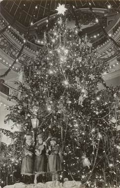 Vintage Christmas Photograph ~ The Christmas Tree in the City of Paris Store * San Francisco ©1951