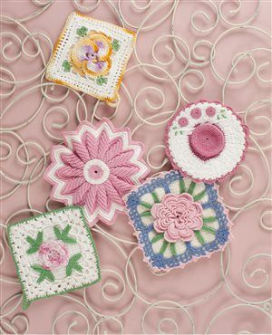 @Libby Bays shared a terrific selection of beautiful crochet potholders with vintage flair