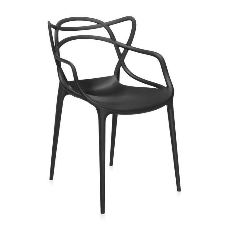 Kartell Masters Stoel  By Philippe Starck  Deze Masters stoel brengt de lijnen van drie meesterontwerpers en hun grote meesterstuk samen. Gezamenlijk vormen deze lijnen een nieuw product, een nieuw project en een weerspiegeling van de huidige samenleving.  Vanaf 2015 ook verkrijgbaar in gemetalliseerd koper, goud en chroom: Masters Stoel Metal.