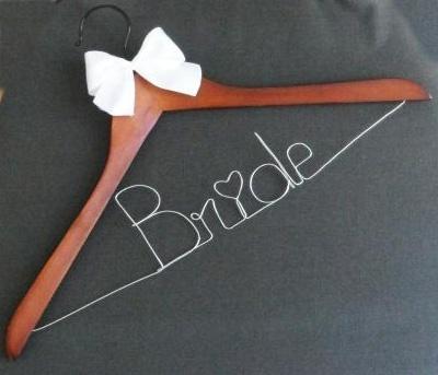 Cintre personnalisé pour robe de mariée