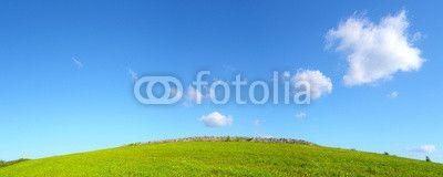 Prato verde con cielo azzurro e nuvole - pianeta verde #microstock #marketing #webdesign #design #WebContent #SEO #csstemplates #css #HTML5 #Websites #web20k #web2014 #web