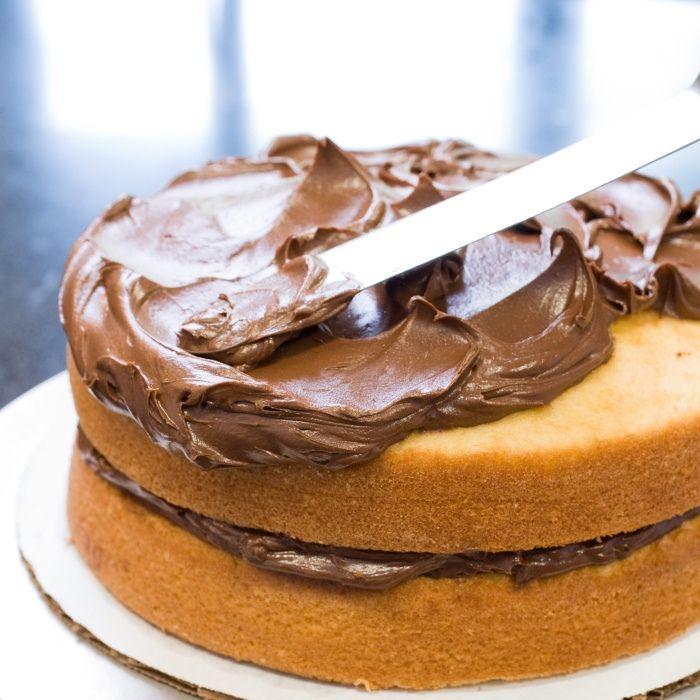 Poznáme to asi všetky. Spokojnosť s koláčom, či tortou, ktoré sme vytvorili nás odpálila do výšin. Pochválil nás manžel, decká sa tešia a vy už čakáte na hostí, ktorí sa majú zastaviť na poobednú kávi