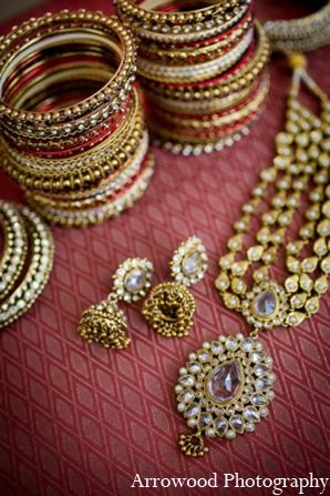 indian wedding traditional bridal jewelry http://maharaniweddings.com/gallery/photo/5397