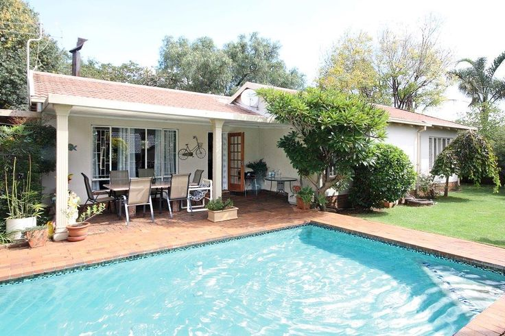 Property for sale in Strubens Valley 3bed 2bath R1,399m