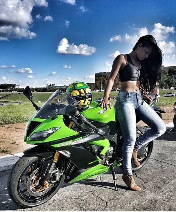 sexy babes on streetbikes