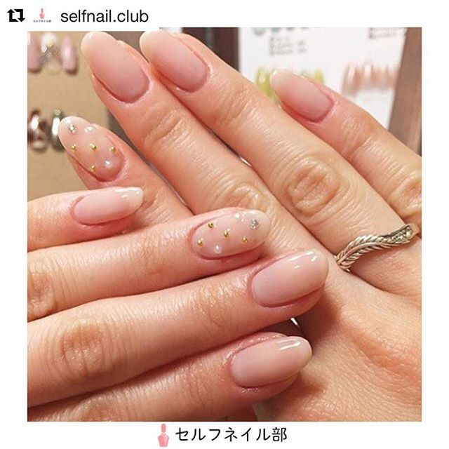 𓇼 @selfnail.club さんに 紹介して頂きました💅🏽💗 すっごく嬉しい、、、‼︎‼︎ ありがとうございました 🙇🏼♀️💜 . これからもたくさん人に見て もらえるような可愛いネイルが できるように頑張ります🙇🏼♀️ . . #selfnail #self #nail #nails #nailart #nailswag #gelnail #naildesign #naildesigns #nails2inspire #nailporn #nailartclub #myhobbie  #nailstagram #love #cute #favorite #ネイル #ネイルアート #ネイルデザイン #ジェルネイル #セルフネイル #セルフネイル部 #ボヘミアン #お気に入り #可愛い #自爪 . . #Repost @selfnail.club (@get_repost) ・・・ (@ss________03)さんの、 「ヌーディー感溢れるちゅるんネイル」を紹介します💅🏻 . 〜やり方〜 1.甘皮処理をして形をファイルで整えてから…