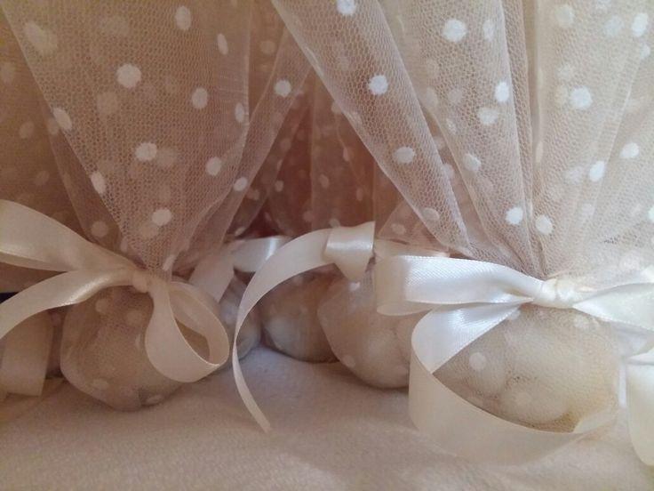 Μπομπονιέρα λευκό πουά & χρυσό τούλι για έναν ρομαντικό γάμο ❤Ευχαριστώ πολύ για την προτίμησή της αγαπημένης μου φιλης!!!!!!