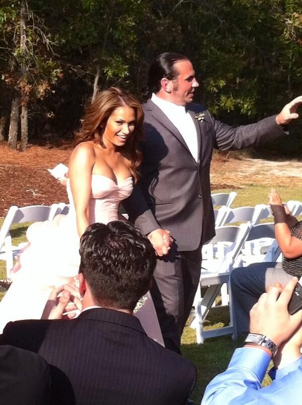 On October 5, 2013, Matt Hardy married his girlfriend Rebecca Reyes (Reby Sky) at their home in North Carolina.
