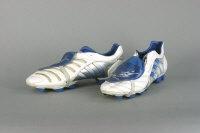 David Beckham football boots from season 2004-2005. Sold for £4,800 in 2006 #beckham #football #soccer #memorabilia
