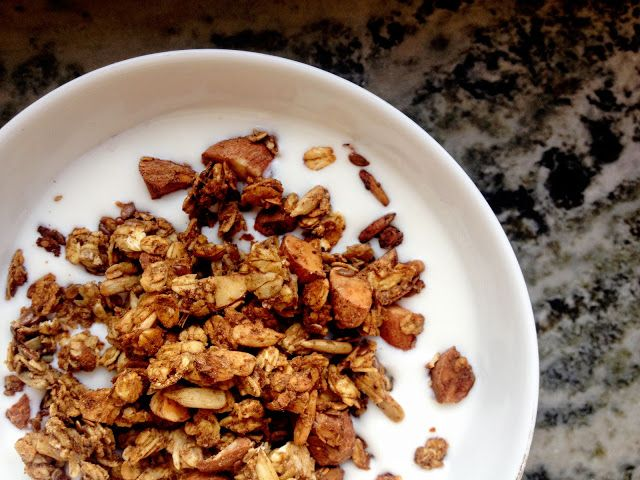 Sofias Lilla Gröna: Första adventsfrukost: Glutenfri & Vegansk Pepparkakskryddad Ugnsrostad Musli / Granola