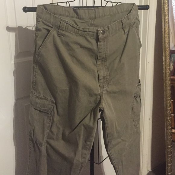 Mens cargo pants Mens cargo pants. Olive green color. Wrangler Pants