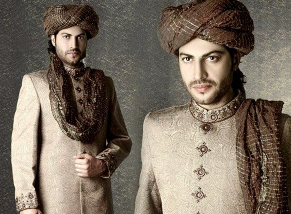Junaid-Jamshed-Sherwani-2014-15-Junaid-Jamshed-Men-Sherwani-Dresses-Collection-2014-15-funfashionone.com-blogsposts.com-2B9.jpg (600×441)