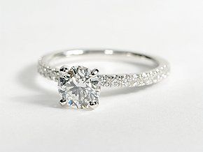 I love small simple rings, this one is beautiful <3 it looks just like mine