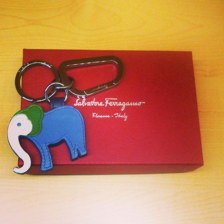 New Arrival SALVATORE FERRAGAMO KEYHOLDER, AED 650 after discount @ Moda Outlet. All our items are genuine and 100% authentic. www.modahouse.com #salvatoreferragamo #keyholder #uaefashion #uae #dubai #dxb #دبي #الامارات #modahouse #modaoutlet