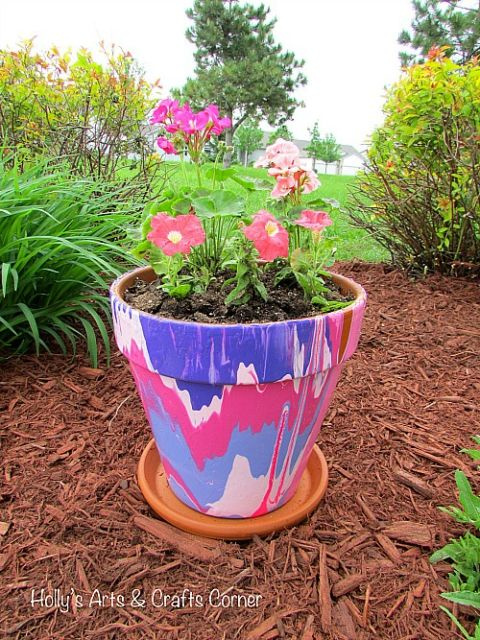 10 Creative DIY Planter Makeovers - spruce up your old plain pots with these great ideas!