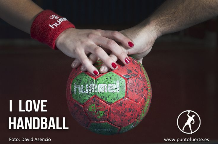 ¡Feliz San Valentín, #handball lovers! Foto: @David Asencio Modelos: Allende Candela y @Alejandro Javaloy Gracias: CDAgustinos y CBM Mar Alicante Más información: www.puntofuerte.es