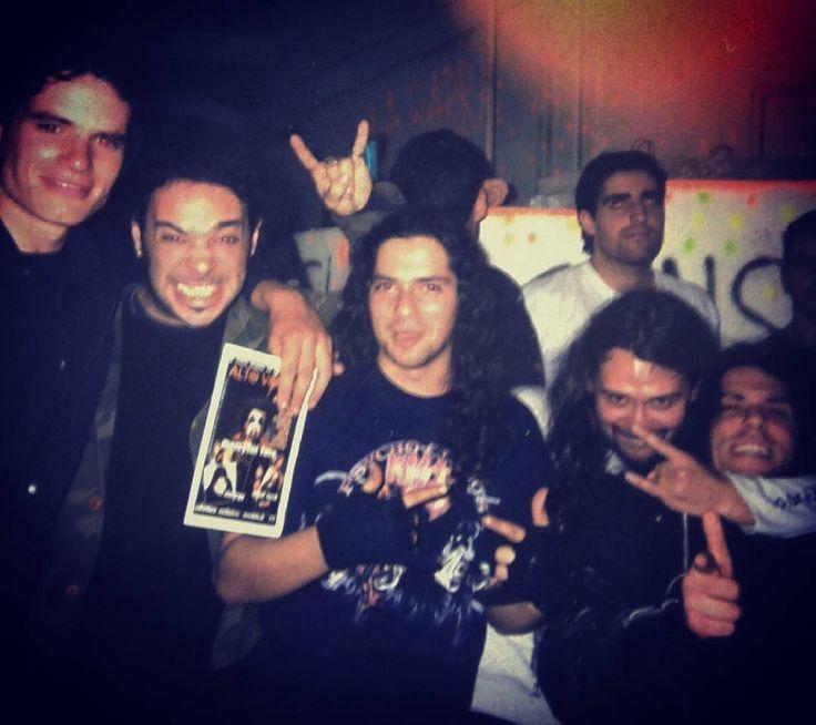 Hace muchos años atrás con Chopper (hoy Rey Toro) y Senda Negra. .  #ReyToro #chupete #metalheads #metal #metaleros #thrash #heavy #musician #earlyyears #yearsago #young #younger #pictureoftheday #imageoftheday #photooftheday #smartphone_photos #smartphonephotography #picoftheday